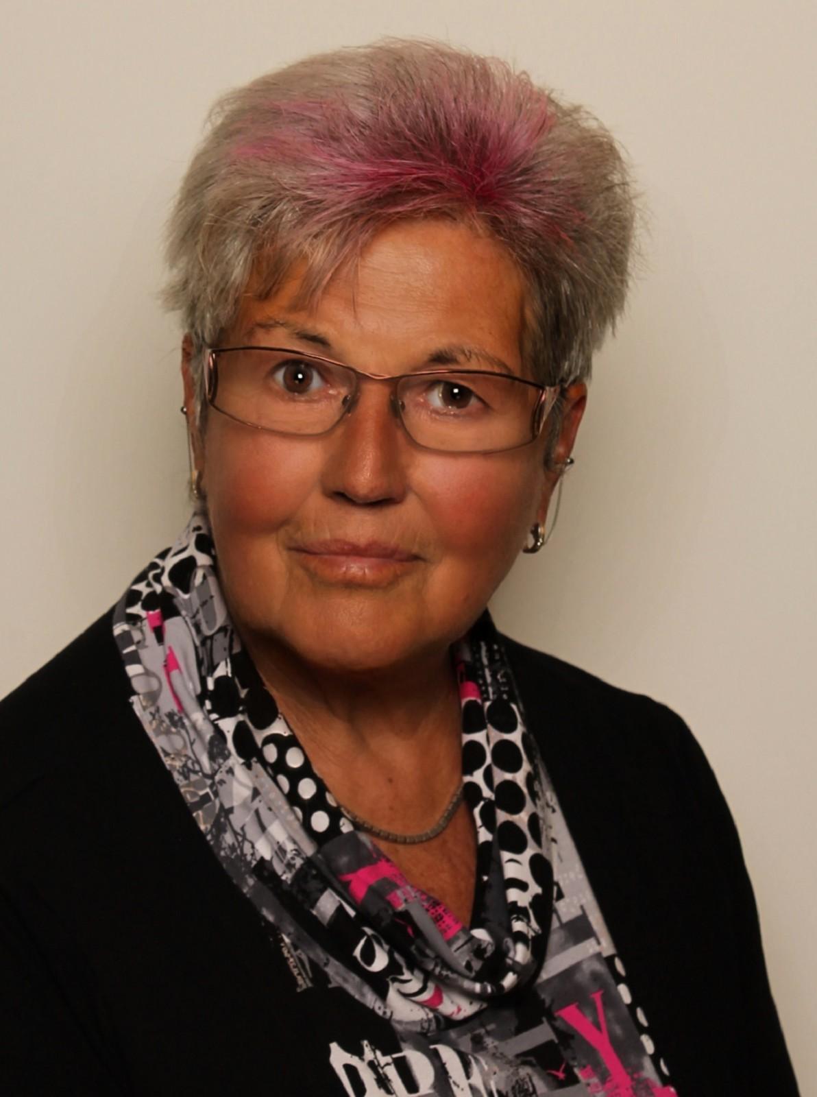 Karin Scharl 1300x1900